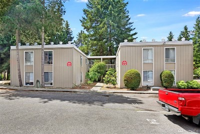 Lynnwood Condo/Townhouse For Sale: 4813 180th St SW #C204