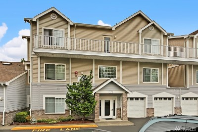 Renton Condo/Townhouse For Sale: 14120 SE 171st Wy #C301
