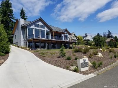 Bellingham Single Family Home For Sale: 3233 Eagleridge Wy