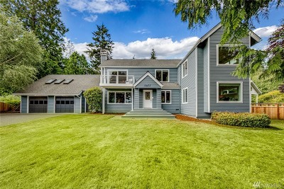 Bainbridge Island Single Family Home For Sale: 2077 NE Yeomalt Point Dr