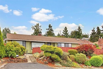 Burien Single Family Home For Sale: 12276 Marine View Dr SW