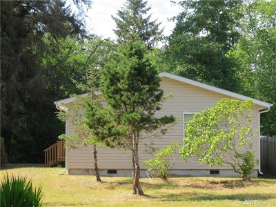 Single Family Home For Sale: 824 Catala Ave SE