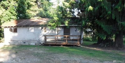 Yelm Single Family Home Pending: 18538 Dynamite Lane SE