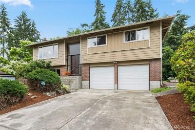 Redmond Single Family Home For Sale: 14211 NE 74th St