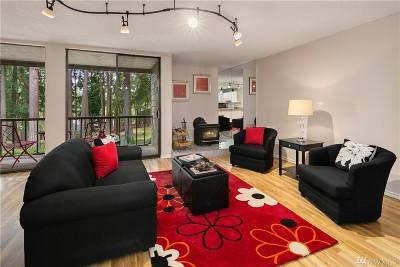 Redmond Condo/Townhouse For Sale: 6051 137th Ave NE #323