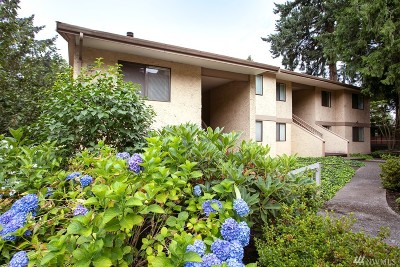 Bellevue Condo/Townhouse For Sale: 10320 SE 6th St #B10