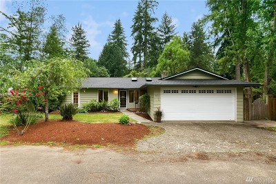 Kenmore Single Family Home For Sale: 8313 NE 147th St