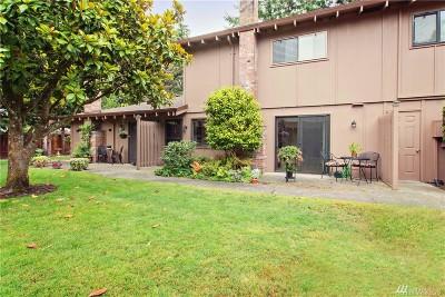 Steilacoom Condo/Townhouse For Sale: 2826 Garden Ct #Apt B