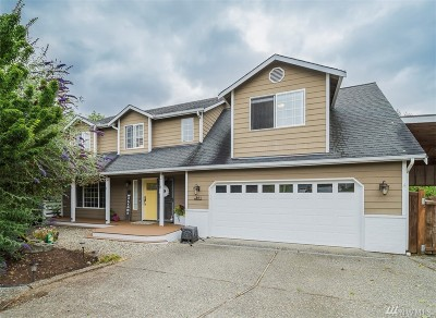 Lake Stevens Single Family Home For Sale: 811 97th Dr SE