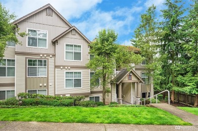 Issaquah Condo/Townhouse For Sale: 23420 SE Black Nugget Rd #F104