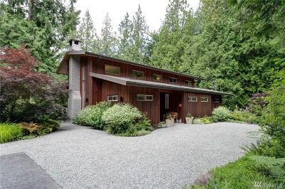 Bellingham Single Family Home For Sale: 185 Nulle Woods Ct
