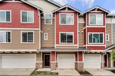 Lynnwood Condo/Townhouse For Sale: 15720 Manor Wy #M2