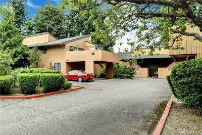 Everett Condo/Townhouse For Sale: 11201 3rd Ave SE #41G