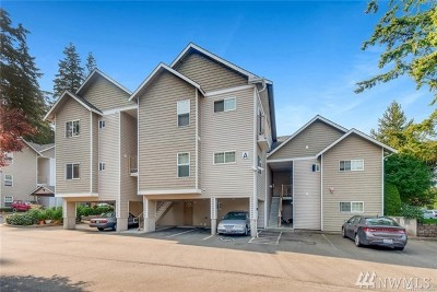 Everett Condo/Townhouse For Sale: 5809 Highway Place #A201