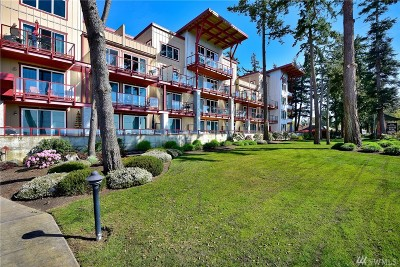 Blaine Condo/Townhouse For Sale: 7714 Birch Bay Dr #403