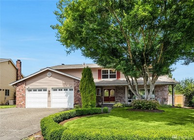 Issaquah Single Family Home For Sale: 4438 191st Place SE