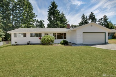 Steilacoom Single Family Home For Sale: 915 Pierce St