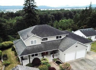 Single Family Home For Sale: 80 Messinger Hill Dr