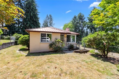 Shoreline Single Family Home For Sale: 1011 NE 180th St