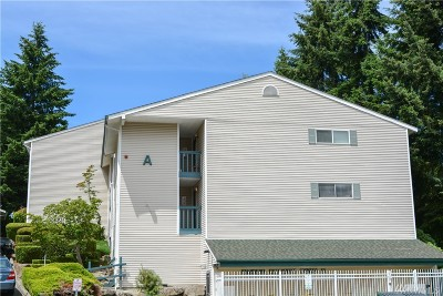 Burien Condo/Townhouse For Sale: 17431 Ambaum Blvd S #A10