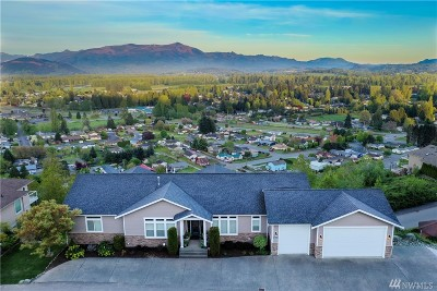 Skagit County Single Family Home For Sale: 840 Grandview Ct