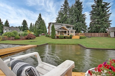 Lake Tapps Single Family Home For Sale: 3301 Deer Island Dr E