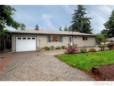 Kirkland Single Family Home For Sale: 8916 NE 141st St