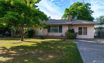 Lakewood Single Family Home For Sale: 8411 121st St SW
