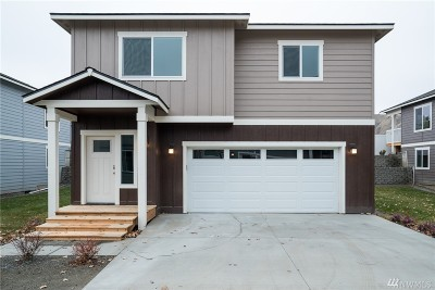 Cashmere Single Family Home For Sale: 402 Riverside Meadow
