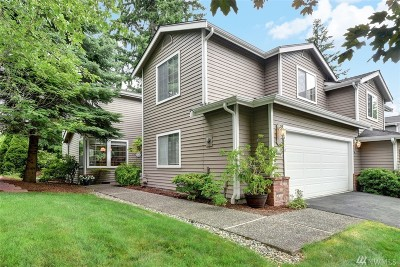 Sammamish Single Family Home For Sale: 24330 41st Lane #32