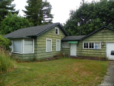 Single Family Home For Sale: 32 Wynooche Rd W