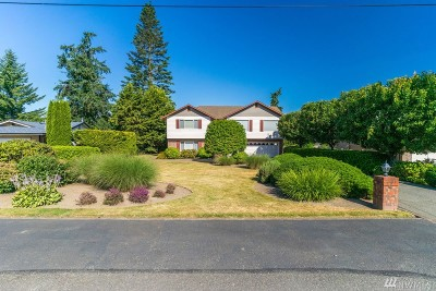 Camano Island Single Family Home For Sale: 329 Heather Dr