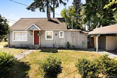 Single Family Home For Sale: 113 Little St SW