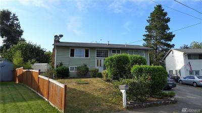 Renton Single Family Home For Sale: 4140 NE 11th St