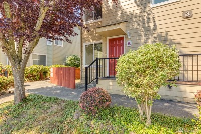 Everett Condo/Townhouse For Sale: 2902 13th St #3A