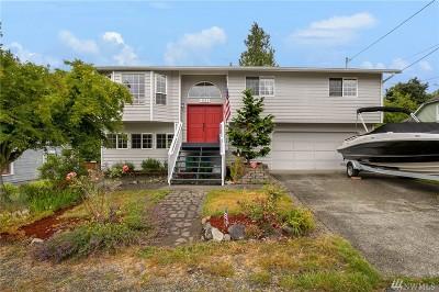 Everett Single Family Home For Sale: 4523 Seahurst Ave