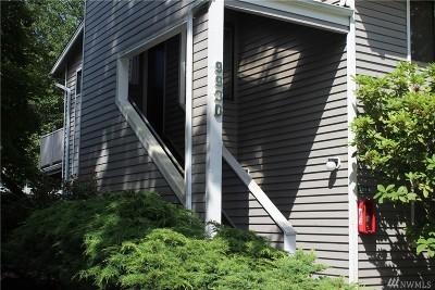 Kirkland Condo/Townhouse For Sale: 9930 NE 144th Lane #201
