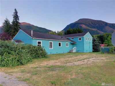 Skagit County Single Family Home For Sale: 684 Maple St