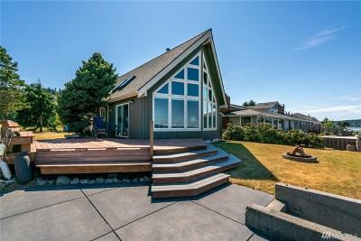 Oak Harbor Single Family Home Sold: 809 Shorecrest Dr