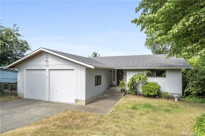 Camano Island Single Family Home For Sale: 1351 Country Club Dr