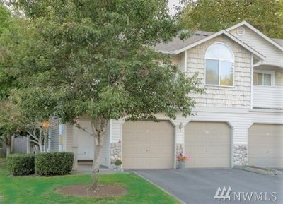 Bothell Condo/Townhouse For Sale: 2201 192nd St SE #X201