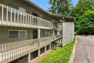 Mountlake Terrace Condo/Townhouse For Sale: 22107 66th Ave W #10-D