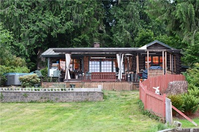 Snohomish County Single Family Home Contingent: 2827 SW Lake Roesiger Rd