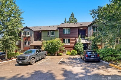 Redmond Condo/Townhouse For Sale: 15155 NE 82nd St #102