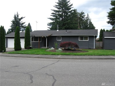 Everett Single Family Home For Sale: 8915 Emerson Place