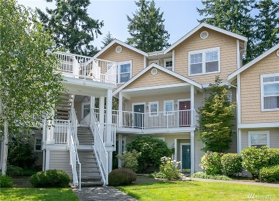 Mukilteo Condo/Townhouse For Sale: 5400 Harbour Pointe Blvd #K106