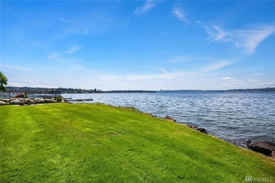 Kirkland Condo/Townhouse For Sale: 6333 Lake Washington Blvd NE #304