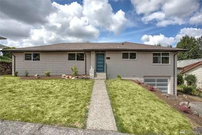 Renton Single Family Home For Sale: 151 Monterey Dr NE