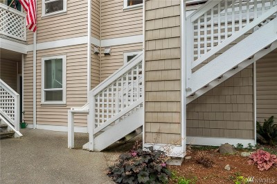 Kenmore Condo/Townhouse For Sale: 17827 80th Ave NE #B102