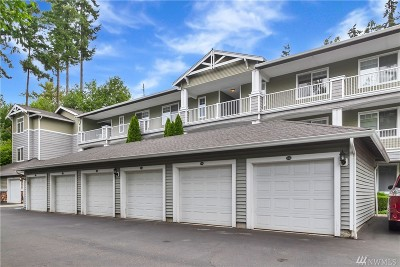 Everett Condo/Townhouse For Sale: 12712 Admiralty Wy #F305